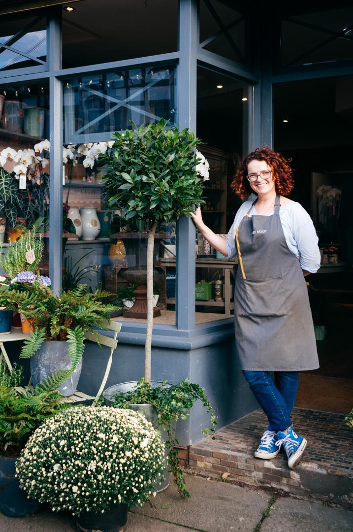 How to make a lush posy table arrangement like a florist - Tracy