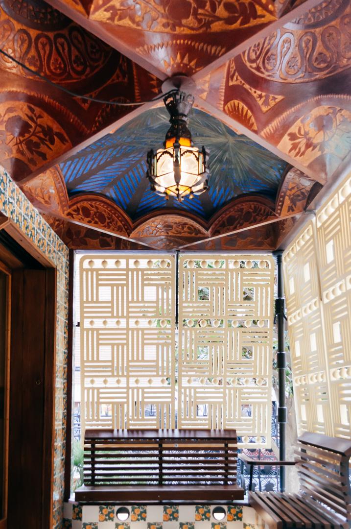 Gaudí's Casa Vicens: complete architecture and interior guide veranda 1
